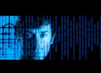 Inspektor Ochrony Danych Twarz mężczyzny w półcieniu z kodem binarnym