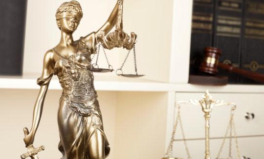 Za i przeciw utrzymaniu penalizacji w ochronie danych osobowych