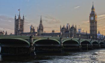Brexit nie wyklucza brytyjskich przygotowań do GDPR