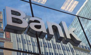 Sądy administracyjne kwestionują przetwarzanie danych osobowych przez banki i Biuro Informacji Kredytowej.