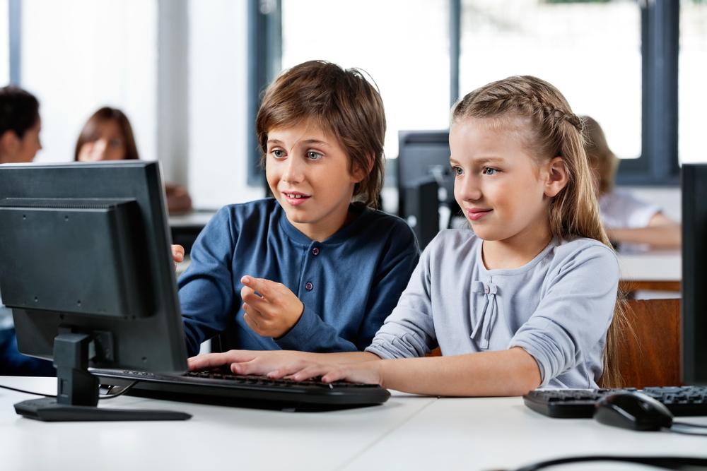 Ochrona prywatności dzieci w Internecie – wskazówki polskiego i brytyjskiego organu nadzorczego