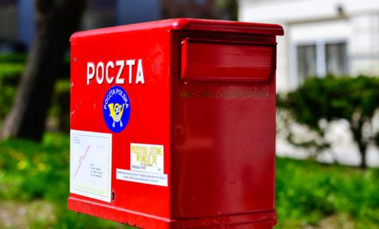 Panoptykon pozywa Pocztę Polską